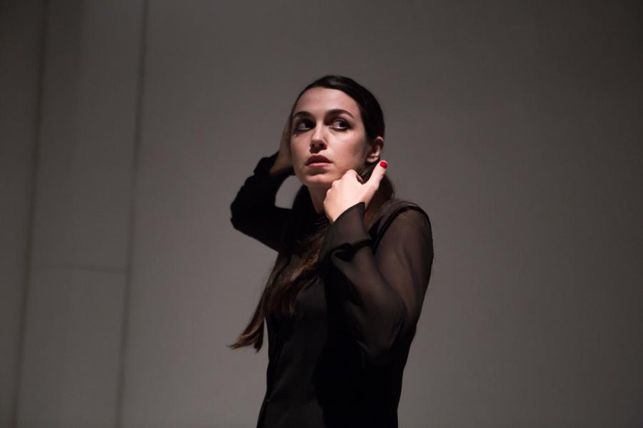 Ειρήνη Φαναριώτη: Η ενασχόλησή μου με το θέατρο ξεκίνησε ξαφνικά και ασυνείδητα. Ήταν εξάλλου για αρκετό χρονικό διάστημα κάτι που έκρυβα από τους γονείς μου