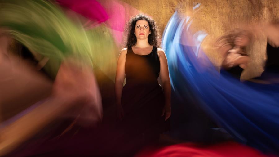 Ηλιάνα Γαϊτάνη: Ζούμε μια υλική ζωή, γρήγορη, σχεδόν σε fast forward