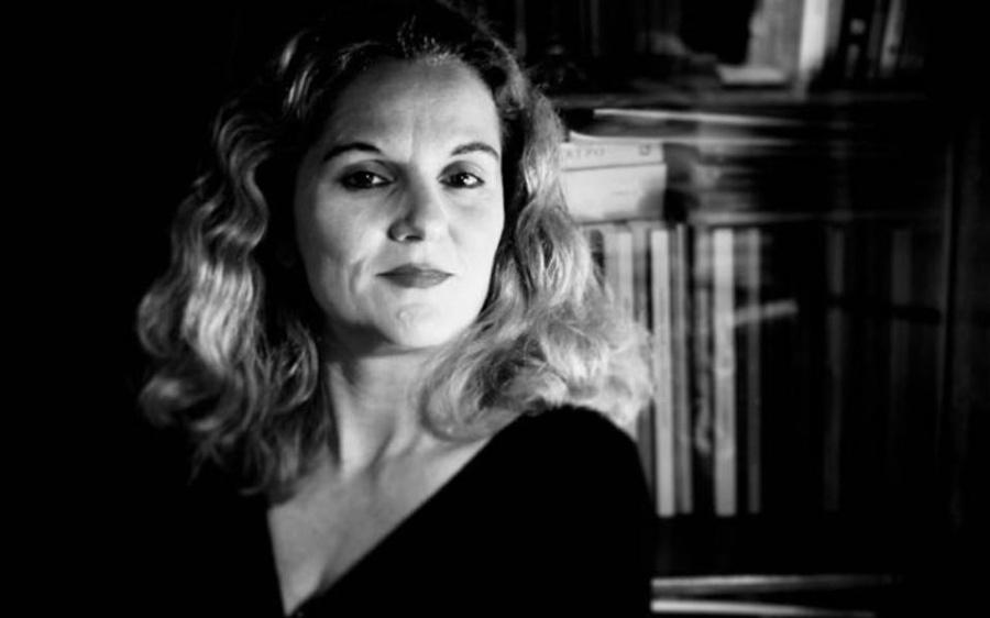 Μαριάννα Κάλμπαρη: Πιστεύω ότι ο έρωτας -ή η απουσία του έρωτα- παίζει τον καθοριστικότερο ρόλο στη ζωή μας