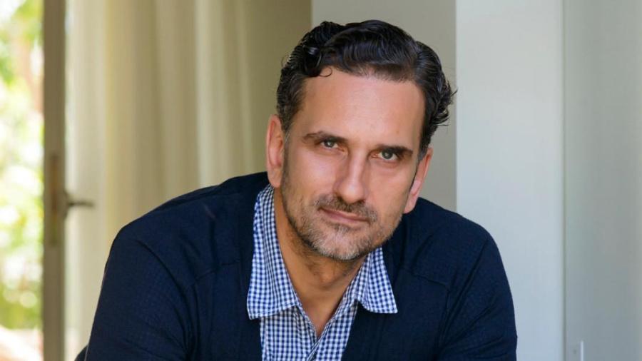 Νίκος Ψαρράς: Ο ηθοποιός όταν βρίσκεται πάνω στη σκηνή και παίζει, έχει και μια πολιτική θέση