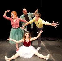 Γιάννης Χατζηγεωργίου - 3 λαλούν και 2 χορεύουν, 2017 (θέατρο)
