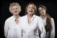 Νεφέλη Κουρή - Τρεις ψηλές γυναίκες, 2017 (θέατρο)