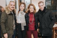 Θύμιος Κούκιος,                                                                     Πέγκυ Σταθακοπούλου,                                                                     Φιόνα Γεωργιάδη,                                                                                         Η ζωή μου στην τέχνη (2019)                                                             104 Κεντρική σκηνή