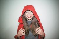 Έμιλυ Κολιανδρή - Κοκκινοσκουφίτσα - Το Πρώτο Αίμα, 2014 (θέατρο)