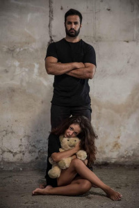 Νίκος Αναγνωστόπουλος - Το Κόκκινο Μελίσσι, 2016 (θέατρο)