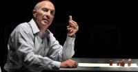 Γιάννης Νταλιάνης - Λάθος κίνηση, 2013 (θέατρο)