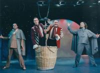 Γιώργος Λιβανός - Ο Γύρος του Κόσμου σε 80 Ημέρες, 2002 (θέατρο)