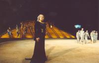 Λυδία Κονιόρδου,                                                                             Οι Πέρσες (2006)                                                     Αρχαίο Θέατρο Επιδαύρου