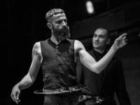 Άρης Σερβετάλης - Ριχάρδος Β', 2016 (θέατρο)